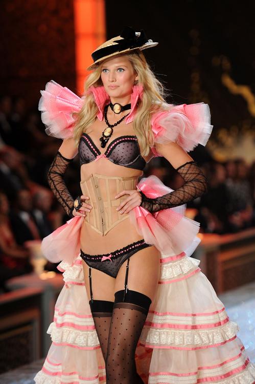 Foto de El desfile Victoria's Secret Fashion 2011: todas las imágenes (18/57)