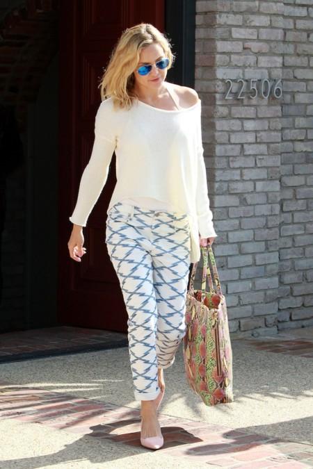 Kate Hudson sabe cómo vestir de entretiempo
