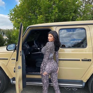 Kylie Jenner se inspira en el arte de Murakami para su último nail art (y nos encanta el resultado)