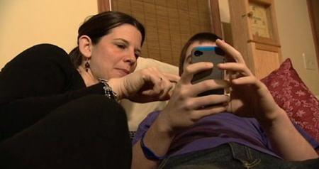 La madre de un adolescente estadounidense impone normas escritas a cambio de la utilización de su smartphone