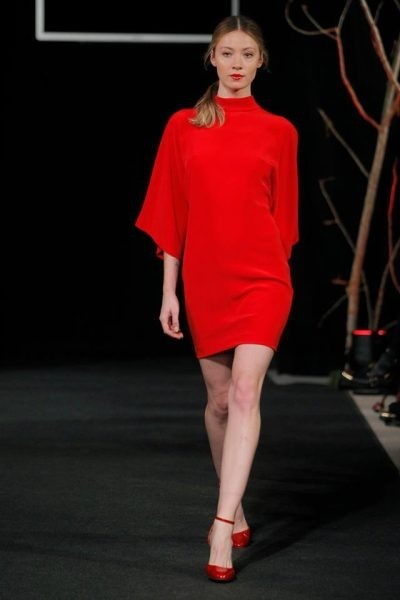 Seagram´s Gin MFShow Women: The 2nd Skin, rojo caramelo