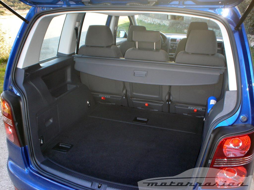 Foto de SEAT Altea XL contra Volkswagen Touran  (16/36)