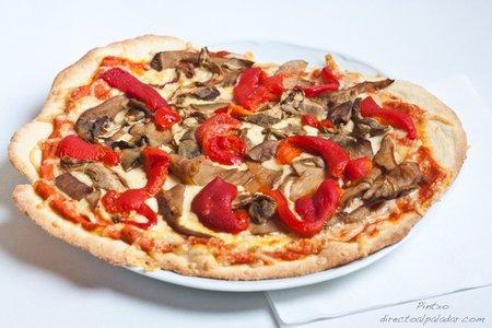 Receta de pizza de boletus y pimiento rojo asado