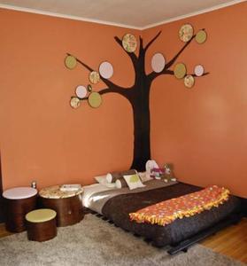 Más ideas para decorar con bastidores: un árbol en casa
