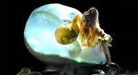 Lady Gaga y sus uñas amarillas de Deborah Lippmann