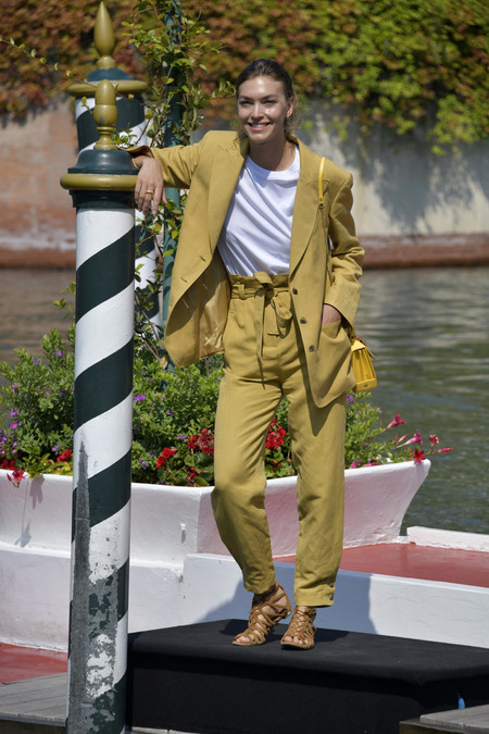 arizona muse look festival de venecia 2020