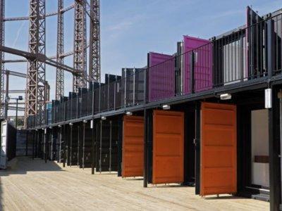 Containerville: treinta oficinas en contenedores de mercancías