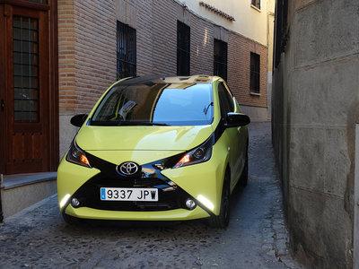 Nos colamos en todas las calles de la ciudad probando el nuevo Toyota AYGO x-cite III