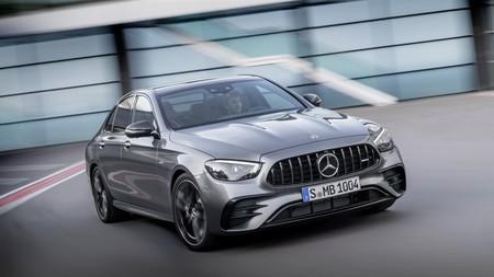 El Mercedes-AMG E 53 4MATIC+ se actualiza por fuera, manteniendo intacto su motor 3.0 de 435 CV y 520 Nm