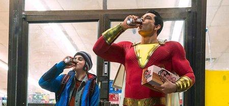 'Shazam!' presenta su primera imagen oficial: aquí tenemos al nuevo superhéroe del Universo DC que salta al cine