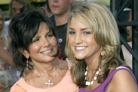 La madre de las hermanas Spears admite su culpa