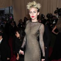 Peores looks peor vestidas Costume Insitute MET Gala Miley Cyrus Marc Jacobs