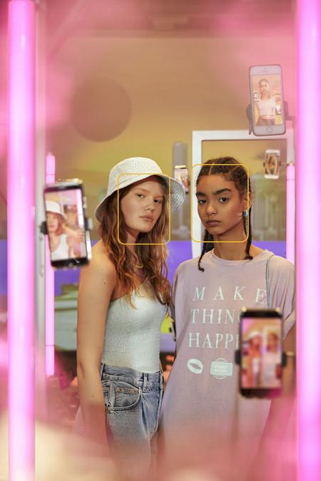 Pull & Bear lanza una colección de verano inspirada en la influencia urbana y la cultura Youth para las más jóvenes de la casa