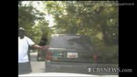 Homenaje a GTA: roba el coche de la Policía y sale quemando rueda
