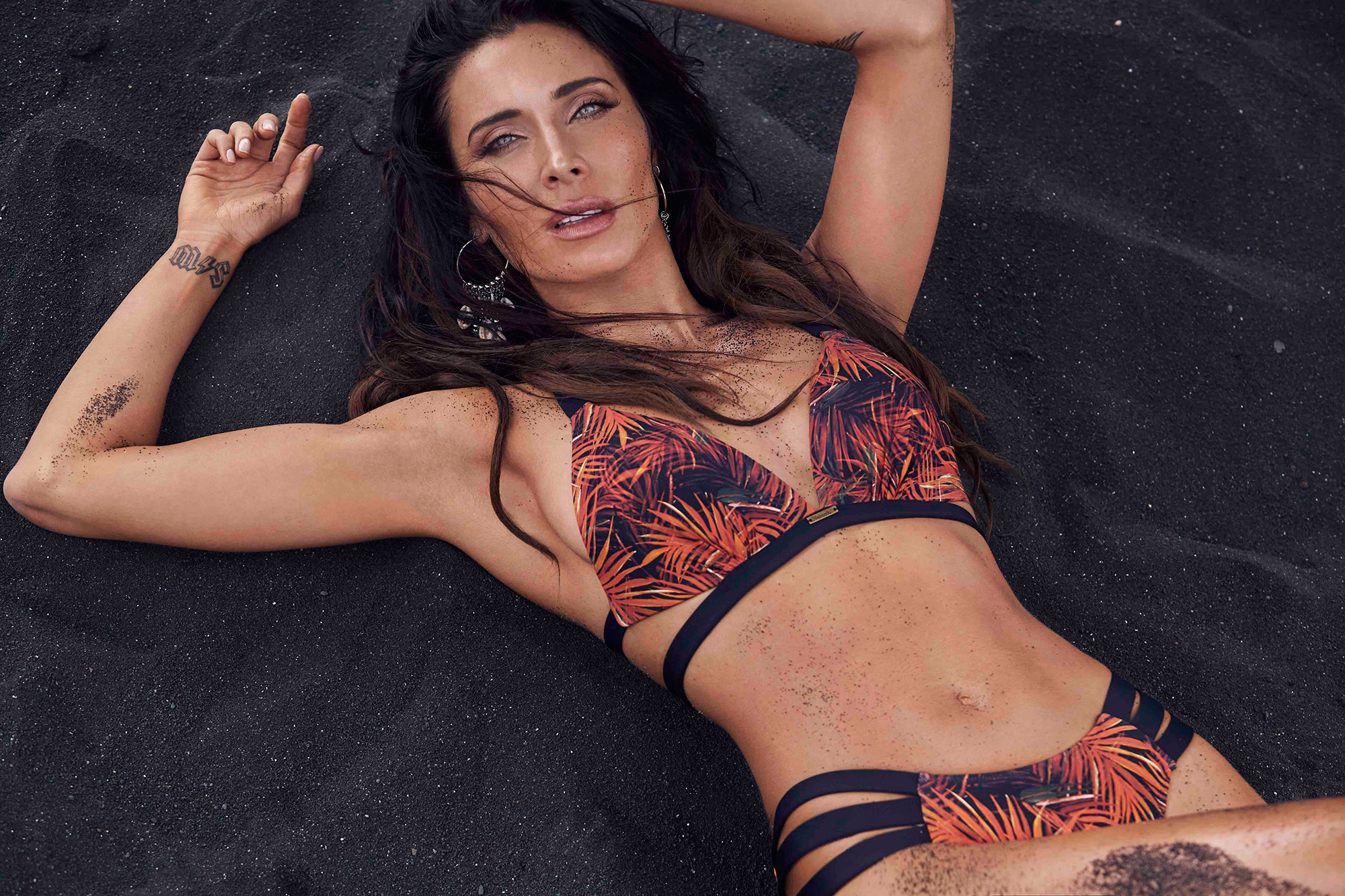 Top de bikini triangular con push up