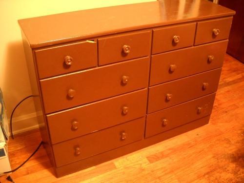 Como pintar y renovar un mueble de madera paso a paso - Como pintar muebles de pino ...