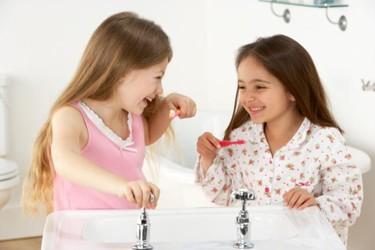 Cuatro de cada diez niños se van a la cama sin lavarse los dientes, ¿tú lo harías?