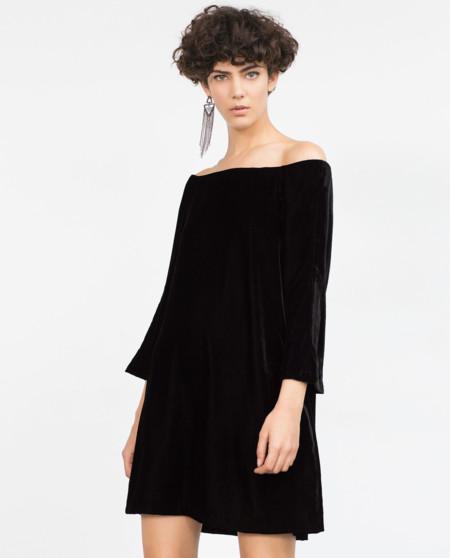 1a7abcb5e Los 17 vestidos negros de Zara con los que triunfarás en Navidad de ...