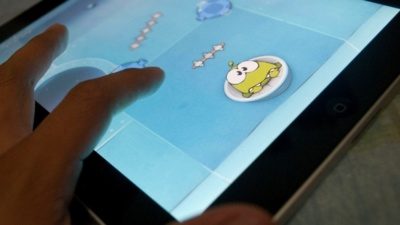 ¿Por qué los juegos móviles no sincronizan todo el contenido en la nube?