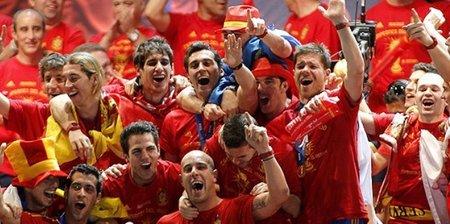 La celebración del Mundial: El show de Pepe Reina ¡Este sí que es un crack!