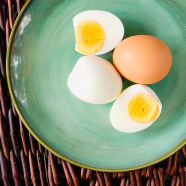 Tiempos y consejos para cocinar bien huevos duros, mollets o pasados por agua