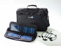 Maletín solar para recargar el portátil durante el viaje