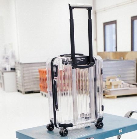 ¿Te atreverías con una maleta transparente? Son la última tendencia en viajes y ya estamos deseando verlas en los aeropuertos