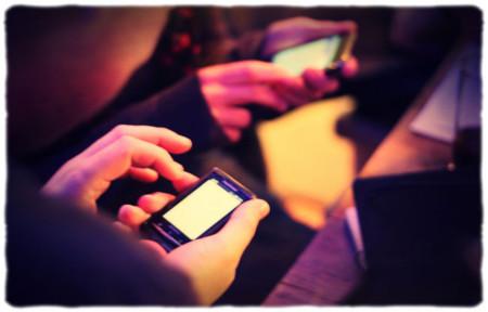 Los operadores obligados a liberar gratuitamente sus móviles