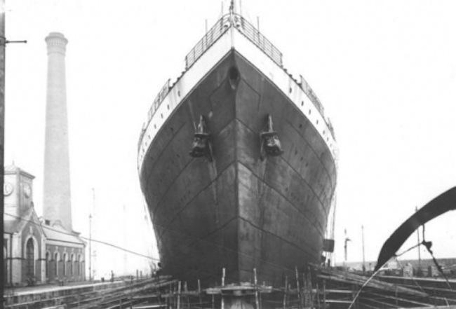 Titanic en el muelle