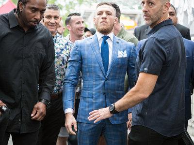 Conor McGregor lanzará su propia línea de ropa de la mano de la firma tailoring David August