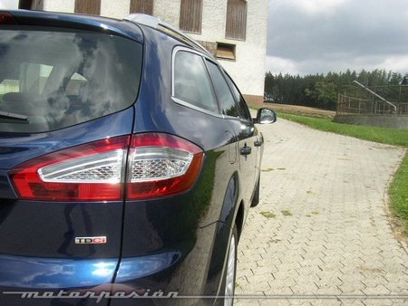 Ford Mondeo 2011 3