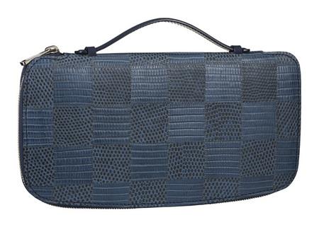 El organizador Atoll de Louis Vuitton, para evitar que la cartera y las llaves deformen los bolsillos de los pantalones