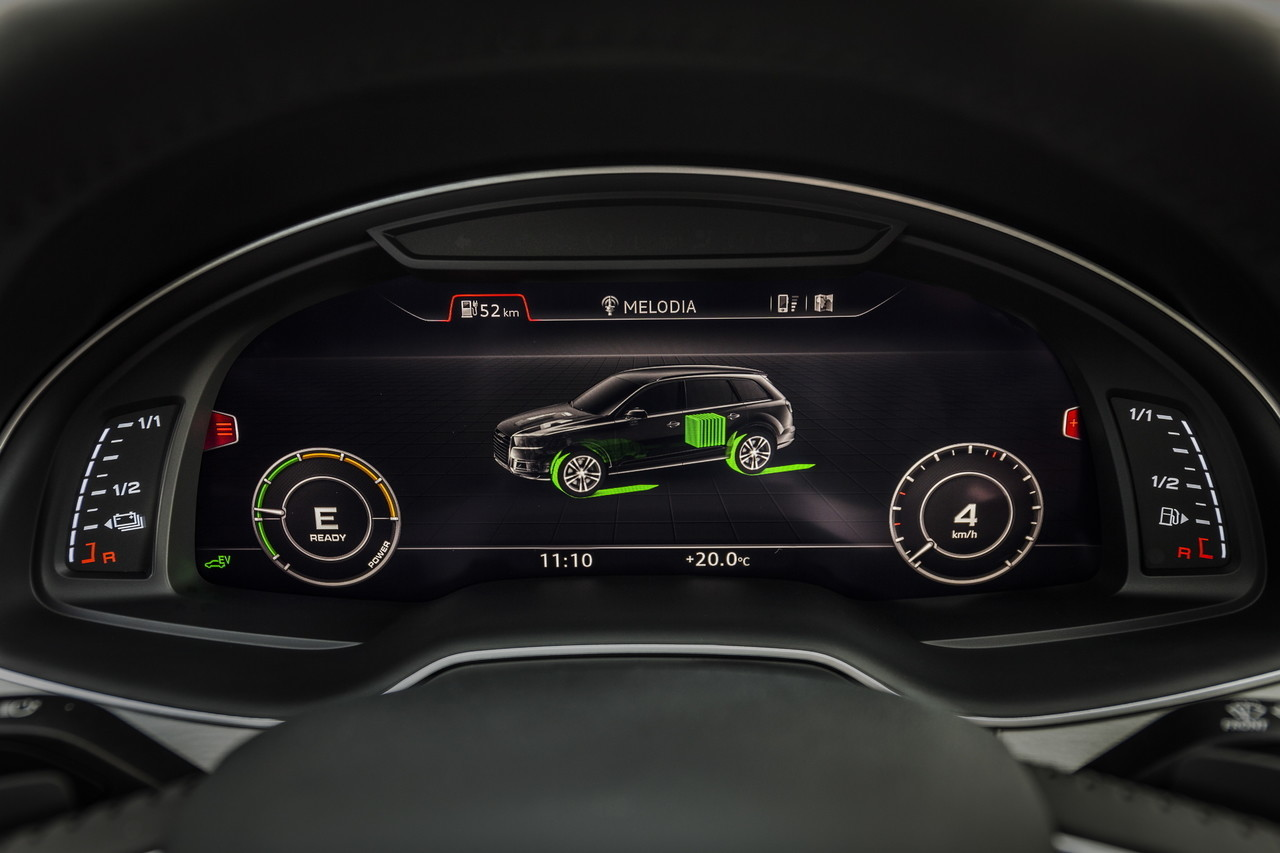 Audi Q7 e-tron (63/64)