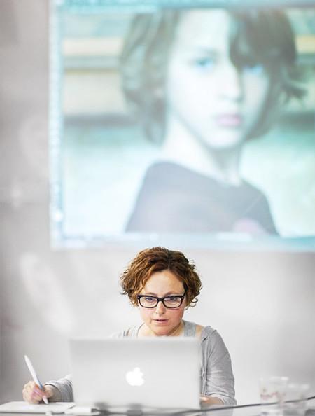 «Intento mantener el concepto artístico en todos mis trabajos», Julia Hernández, ganadora del LUX Oro 2014