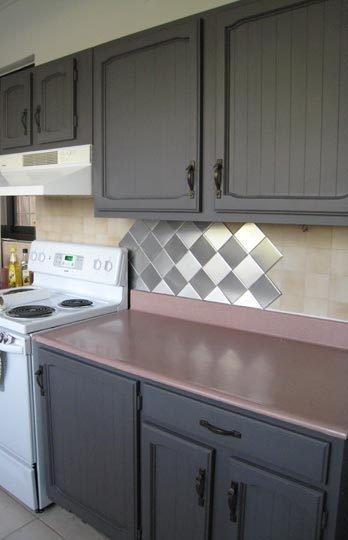 Una buena idea chapas met licas en el frente de cocci n - Leroy merlin azulejos cocina ...