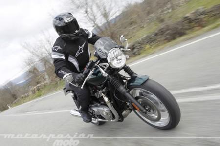 Triumph Thruxton 2