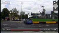 Dolorpasión™ es ver a un Audi RS6 Avant darse contra un tranvía