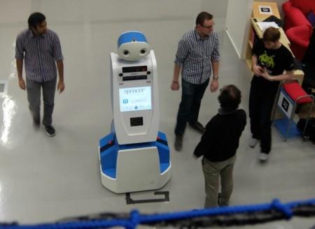 Este robot quiere ser nuestro guía y apoyo si estamos perdidos en el aeropuerto