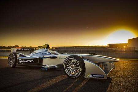 El nuevo SRT_01E de la Fórmula E ya rueda en pista