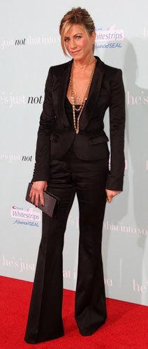Jennifer Aniston elige Burberry para sus looks