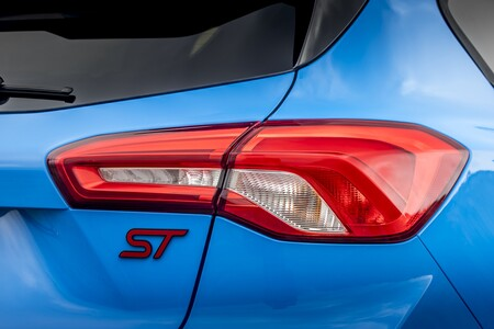 Ford Focus St Edition 2022 011