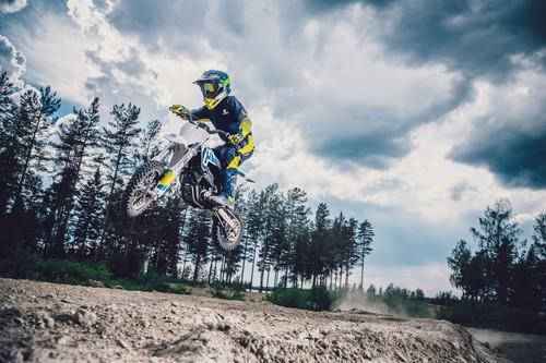 ¡Juguetes para todos! Siete motos eléctricas para niños que quieren iniciarse en el mundo offroad