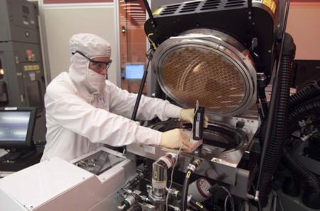 Intel cambia de rumbo: abrirá sus fábricas a otros fabricantes