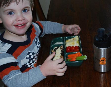 Sencillos consejos para lograr una dieta saludable en los pequeños