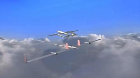 Un avión eléctrico con autonomía ilimitada... mediante aviones que lo recargan