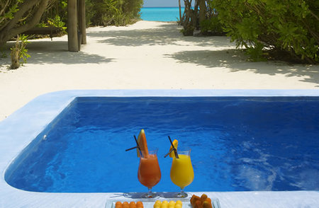 villa-maldivas-piscina