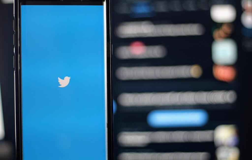 A falta de una opción para editar, Twitter trabaja en una función para deshacer el envío de tweets