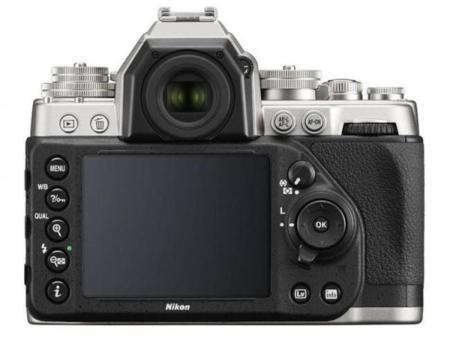 Nikon Df parte trasera