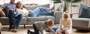 Darles espacio y observar a los hijos explorar el mundo es beneficioso para la salud mental de madres y padres: estudio