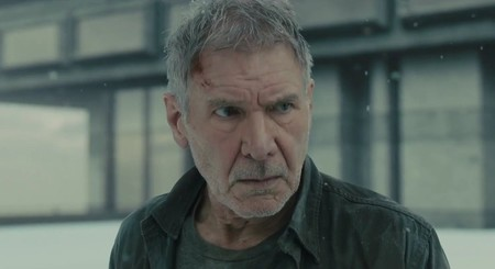 Los guionistas de 'Blade Runner 2049' responden a la gran cuestión sobre Deckard: ¿replicante o humano?